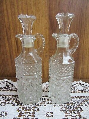 2 X VINTAGE MATCHING WEXFORD PRESSED GLASS VINEGAR / OIL JUGS w STOPPERS