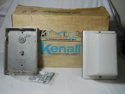 Kenall Model 3636 Vandalproofs Industrial Security Lights Nos New Case Of Six