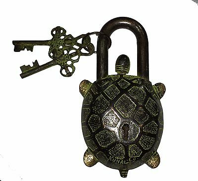 An Unusual CHARISMATIC Brass TURTLE SHAPE/ Figure PADLOCK 2 keys