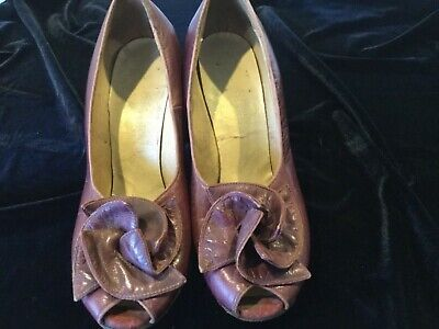 VINTAGE.  (40s ) Ladies Leather,  High Heel Shoes by NANNETTE Quality Shoes.
