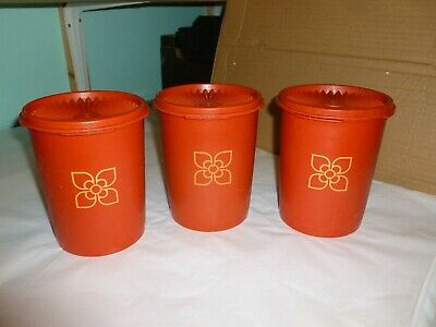 3 x Vintage Tupperware Round Storage Containers with Fan Lids