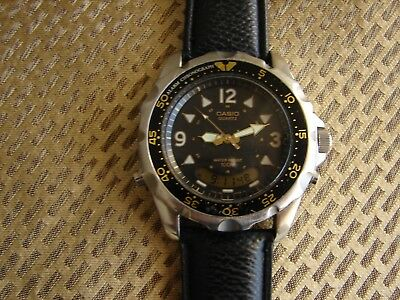 Vintage Mens CASIO DIVER 100m Alarm SS Quartz AD-520 Chronograph Watch VGC.