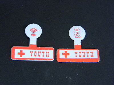 Vintage WWII American RED CROSS Youth buttons badges tabs of service
