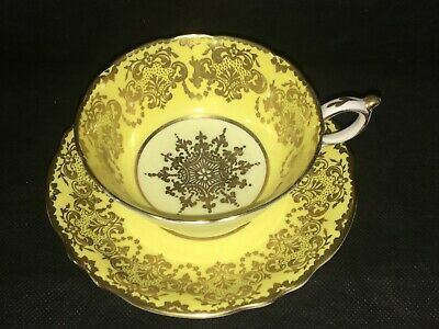 Paragon Yellow & Gold Snowflake CUP & SAUCER Vintage Double Warrant Backstamp