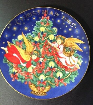 Vintage Avon 1995 Trimming the Tree Christmas Collectible Plate Angels 22K Gold
