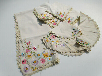 Tablecloth Napkins Doilies Embroidered Daisy Flower Vintage Crochet Edge 8pcs