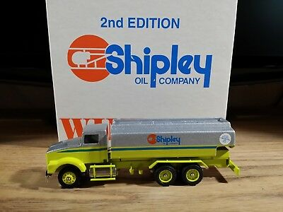WINROSS KENWORTH T800 Box Truck Kodak Gold Plus 1:64