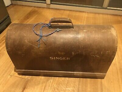 """Antique""""SINGER""""Sewing Machine WOODEN COVER TOP  Original Condition, With Key"""