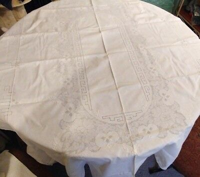 Vintage Linen Oblong Opencut/White Embroidered Tablecloth