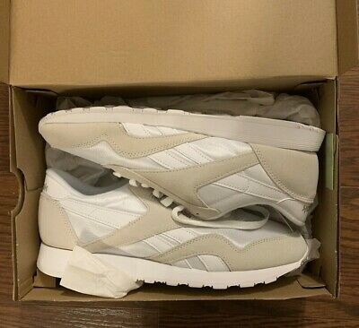 16fd01d3fc58e NEW WITH BOX REEBOK CLASSIC NYLON Men s Running Sneaker Suede Size 9
