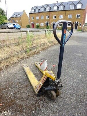 Hand Pallet Truck Mic TM 2000 old and well used.