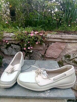 A1 Cond! Nice Ladies Hotter Comfort Concept Beige Cream Leather Deck Shoes Sz 3