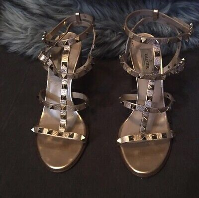 f2ac9a75d9fe Valentino Rockstud Rose Gold T-Strap Sandal Block Heels Leather Size 40   1