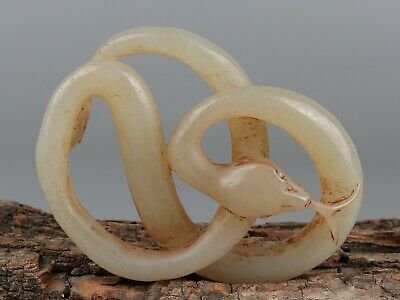 Chinese Exquisite Hand-carved snake Carving Hetian jade statue