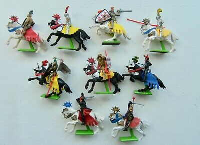 9 Britains Deetail Knights On Horseback 1971