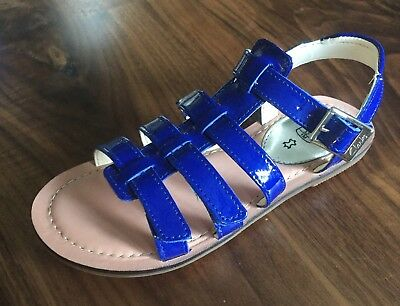 Clarks Girls Royal Blue Leather Sandals size 7.5F.New