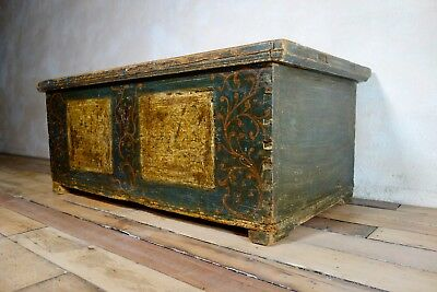 An Antique 18th Century Painted Dowry Chest Blanket Box Painted Storage Chest