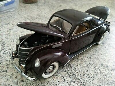 1937 Lincoln Zephyr Coupe Precision Collection 100 1:18 DIECAST
