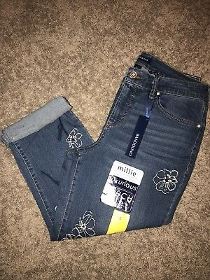 NEW Womens Size 8 Bandolino Embroidered Millie Curvy Capri Jeans With Stretch