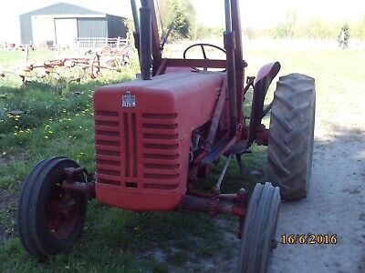 international - B250 tractor and loader