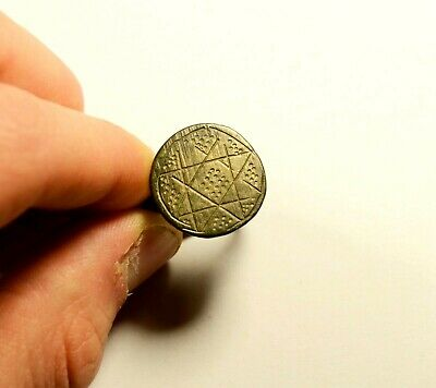 Fantastic Ancient Roman To Medieval Bronze Ring With Geometric Bezel - Wearable