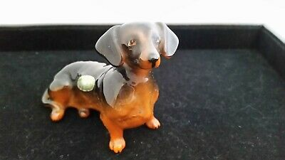 BEAUTIFUL Vintage BESWICK Dachshund Dog Figurine. Signed. A Must See!