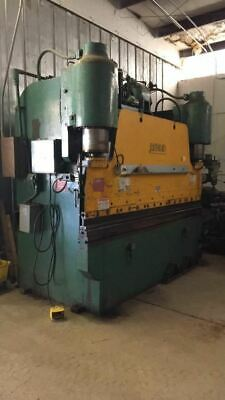 200 ton X 10' Pacific Press Brake, Flush floor, Tooling included