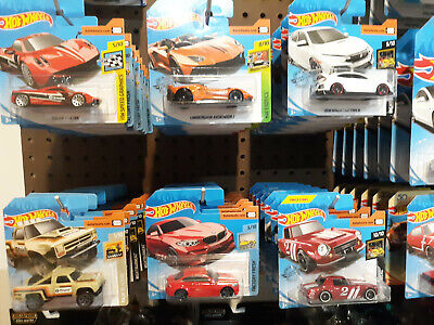2017 2018 2019 Hot Wheels SHORT CARDS - 40% off Total on 4+ (Price Drops 8-17)