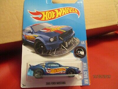 Hot Wheels 2017 280/365 2005 Ford Mustang