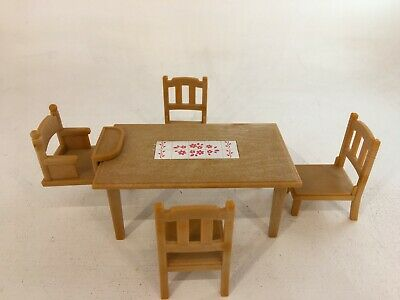 Sylvanian Families - Table & Chairs Set