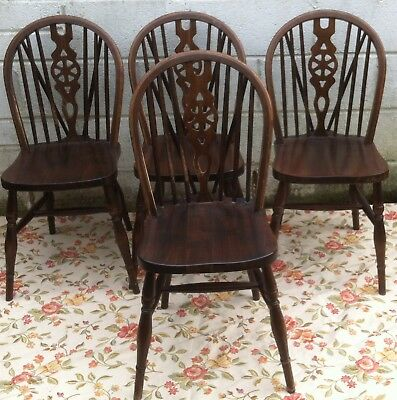 4 Antique Vintage Elm Wheelback Windsor Style Carver Chairs