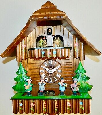 ****NICE Oompah Band Musical German Black Forest Cuckoo Clock*****
