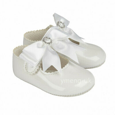 Gorgeous Baby Girl White Big Bow Diamante Buckle Patent Pram Shoes/Soft material