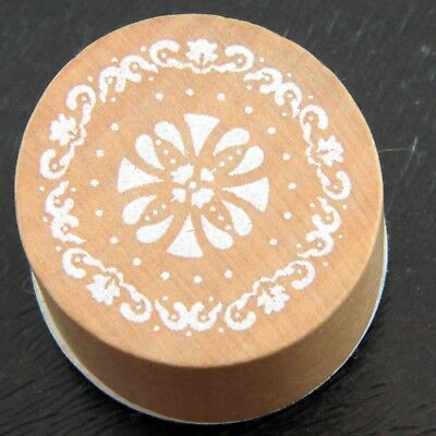 Vintage-style Round Mandala Flower Lace Effect Rubber Stamp
