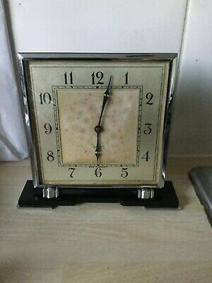 1930's Art Deco Smiths Bakelite Base Mantel Clock. Working but gains time