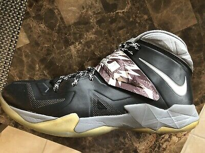 e653a669325 LEBRON NIKE ZOOM Soldier VII (7) with box Size 11.5 -  24.05