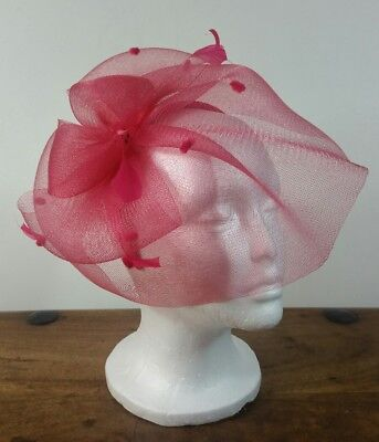 Fushia Pink Fascinator Feathers Netting Wedding Races Excellent Condition