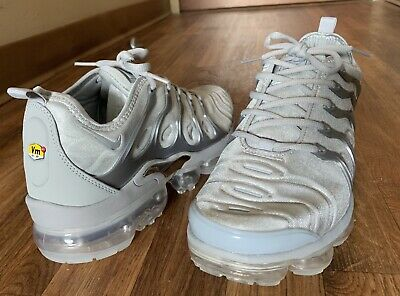 aeb2788eb9 NEW Men's Nike Air Max Size 9.5 Vapormax Running Shoes Solid Gray Silver M  9 1