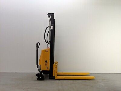 Hoc Ems1016 - Semi Electric Pallet Stacker 1000 Kg (2204 Lbs) 63 Inch Capacity