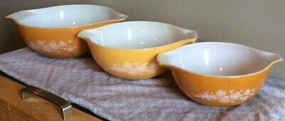 Vntg Pyrex Butterfly Gold Set Of 3 Cinderella Mixing Bowls 442 443 444 Good Cond