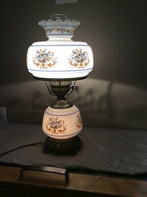 """Vntg 1973GONE W/THE WIND VICTORIAN Quoizel LAMP 1960 3 1/4 WHITE BLUE FLORAL 18"""""""