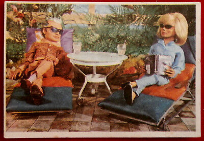 THUNDERBIRDS - Off Duty - Card #66 - Somportex 1966