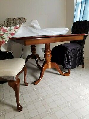 Queen Anne  Dining Room Set (table, extension pieces, 6 chairs)