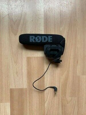 Rode VideoMic Pro Shotgun/On-Device Wired Standard Professional Microphone