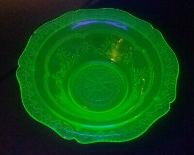 """Federal Glass - Patrician Spoke Depression Glass 8 1/2"""" Berry Bowl in Green"""