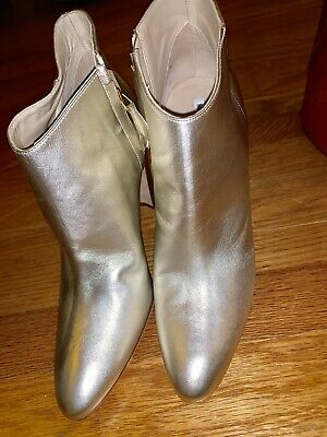 a037e11aadfd4 Manolo Blahnik Brusta Metallic Leather Ankle Boots Size 39 $995!