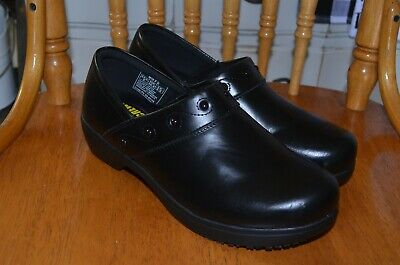 Comfort Shoes United Shoes For Crews Nurse Clogs Slip Water Resistant Verona Black Womens 8.5 9073 W