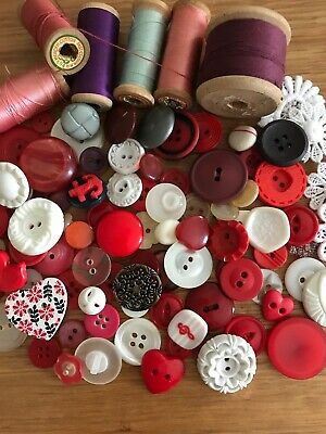 Vintage Buttons and Timber Wood Cotton Reels Lace Lot