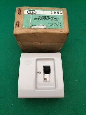 2KNG  MEM Switch Fuse 20 Amp Re wireable Fuse.