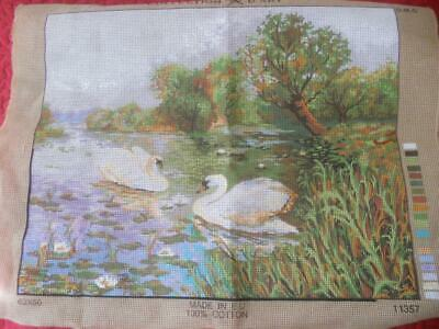 Sml Amt Wkd Vintage Collection Dart Printed Tapestry Canvas Swans On River